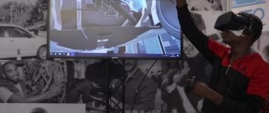 Un mécanicien auto en réalité virtuelle